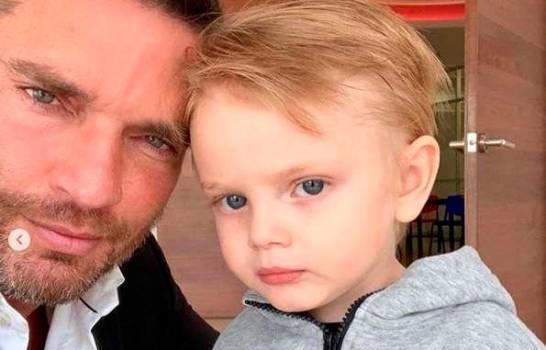 Final feliz para Julián Gil: emiten sentencia a favor de su hijo Matías