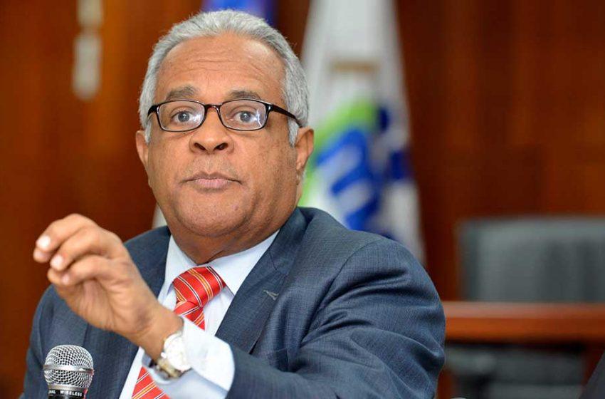 Salud Pública: 392 casos confirmados, 10 muertos; Cruz Jiminián contrae COVID-19