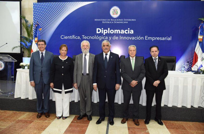 Canciller Miguel Vargas preside lanzamiento de Diplomacia Científica, Tecnológica e Innovación Empresarial
