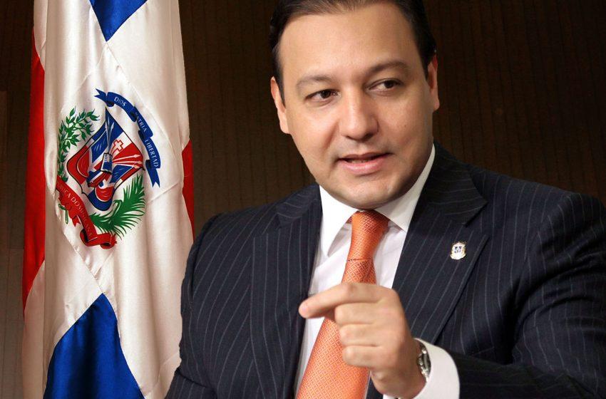 Abel Martínez se querella contra fiscales que allanaron su oficina política