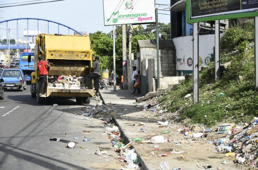 Toque de queda altera recogida de basura.