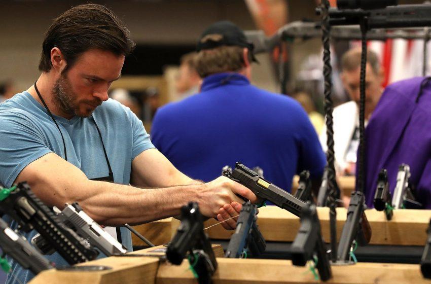 Se incrementa la venta de armas por efectos del COVID-19 en EE. UU.