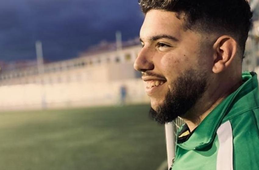 Muere joven por coronavirus: ha fallecido entrenador de fútbol de 21 años.