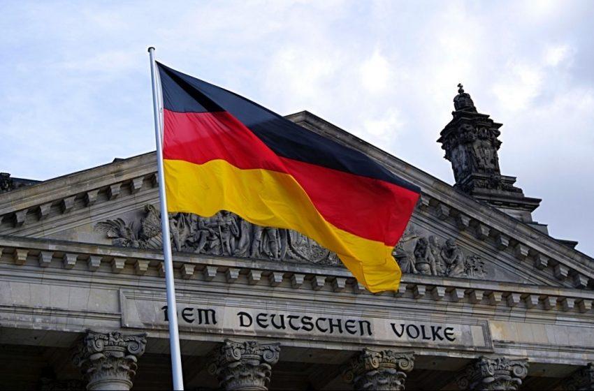 """Alemania: combatiremos coronavirus con """"todo lo que tenemos""""; aprueban fondos más grandes desde fin de la guerra."""