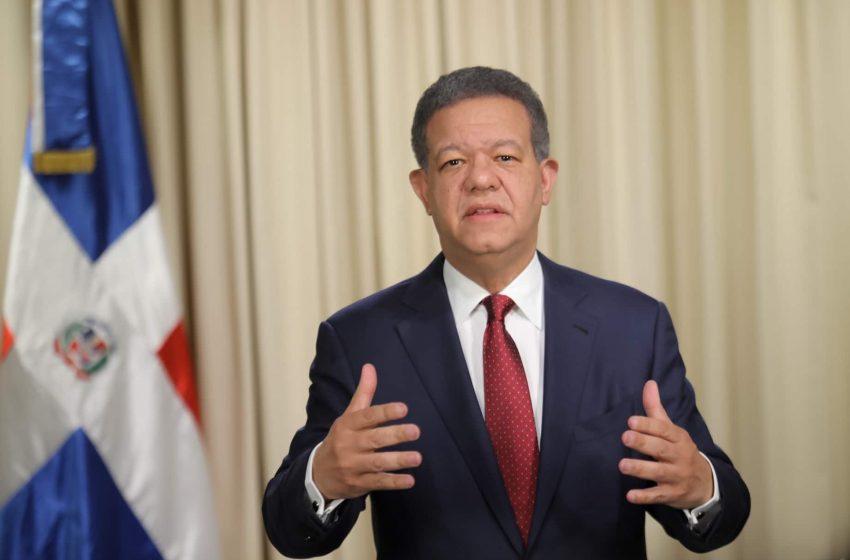 Leonel opone a disposición del gobierno técnicos y maquinarias pesadas para contener incendio en duquesa