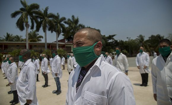 Parte hacia Italia segunda brigada médica cubana para enfrentar la COVID-19