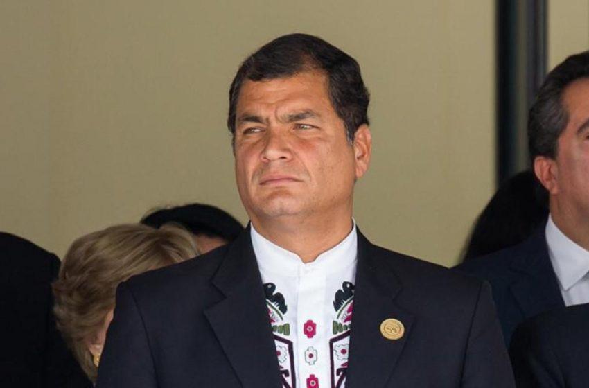 """""""manejando la justicia lograr lo que nunca pudieron en las urnas"""", Rafael Correa sobre su condena por corrupción."""