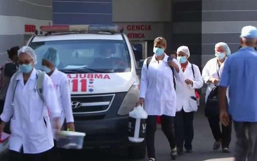 Denuncian hay más de 15 enfermeras infectadas de coronavirus en Moscoso Puello