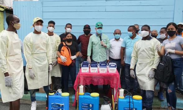 Cabrera amplía jornada de fumigación para prevención COVID-19 en barrios