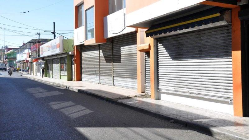 """Federación de Comerciantes dice abrirán puertas el martes: """"vamos a ver si aquí hay policías para llevarse a 200 mil hombres presos"""""""