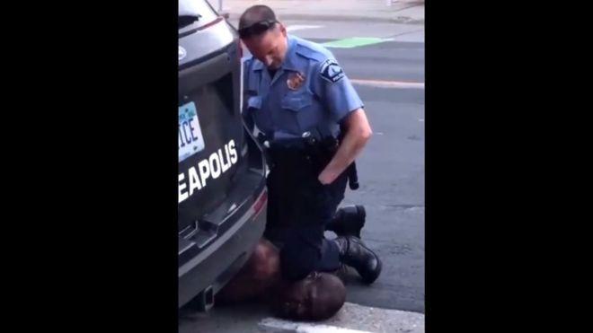 George Floyd: la indignación en EE.UU. por la muerte de un afroestadounidense después de que fuera detenido por la policía en Minneapolis