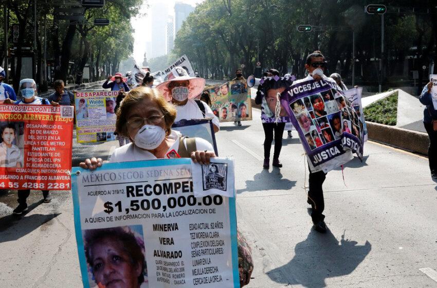 """""""Todo se ha paralizado"""": Madres mexicanas cuentan cómo la pandemia afecta la búsqueda de sus hijos desaparecidos"""