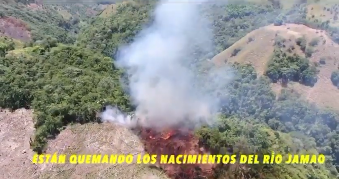 Desaprensivos queman nacimiento del río Jamao durante cuarentena