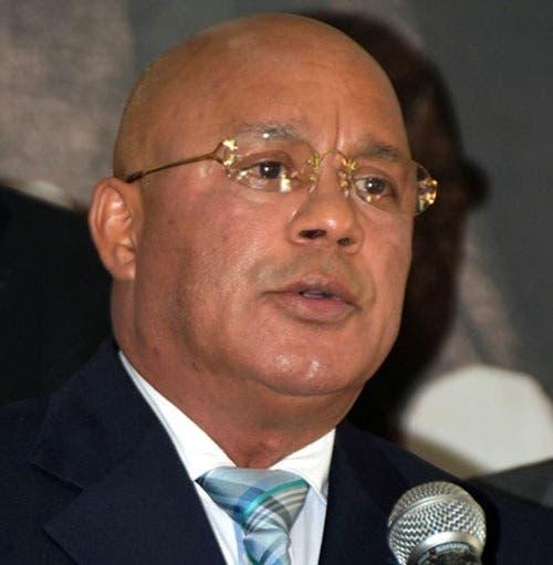 Danilo sustituye viceministro de Energía que renunció para apoyar a Leonel