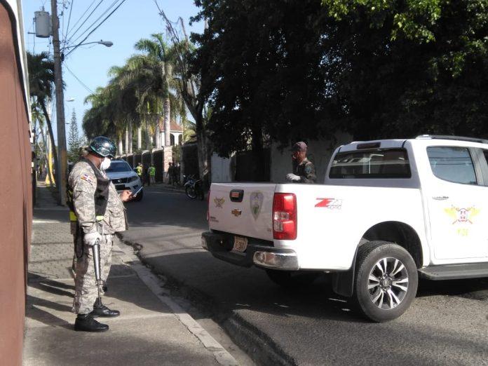 VÍDEOS | Autoridades allanan residencia de candidata por el PRM en La Vega, se rumora que por vínculos con el narcotráfico
