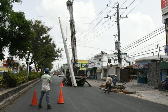 Varios sectores de Santo Domingo Este sin energía eléctrica por avería