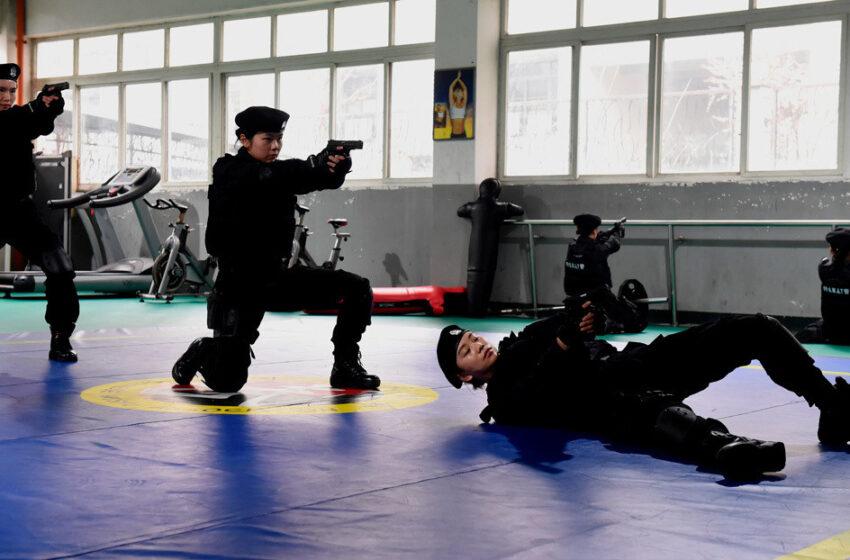 VIDEO: Un equipo femenino de operaciones especiales chino exhibe su destreza táctica y de tiro