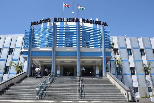 Miguel López Florencio, acusado de lavado de activos, y un hijo, aparecen como empleados de la Policía