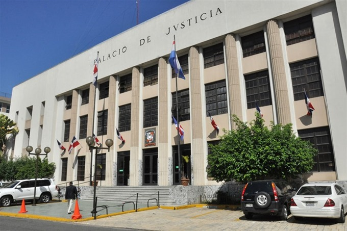 """Solicitarán prisión preventiva contra """"Buche"""", vinculado a drogas y armas de fuego en Capotillo"""