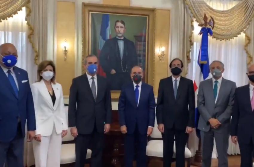VÍDEO | Danilo recibe a los presidentes electos: Luis Abinader y Raquel Peña