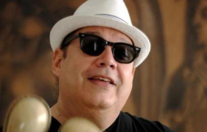 Políticos, comunicadores y artistas lamentan muerte de Víctor Víctor