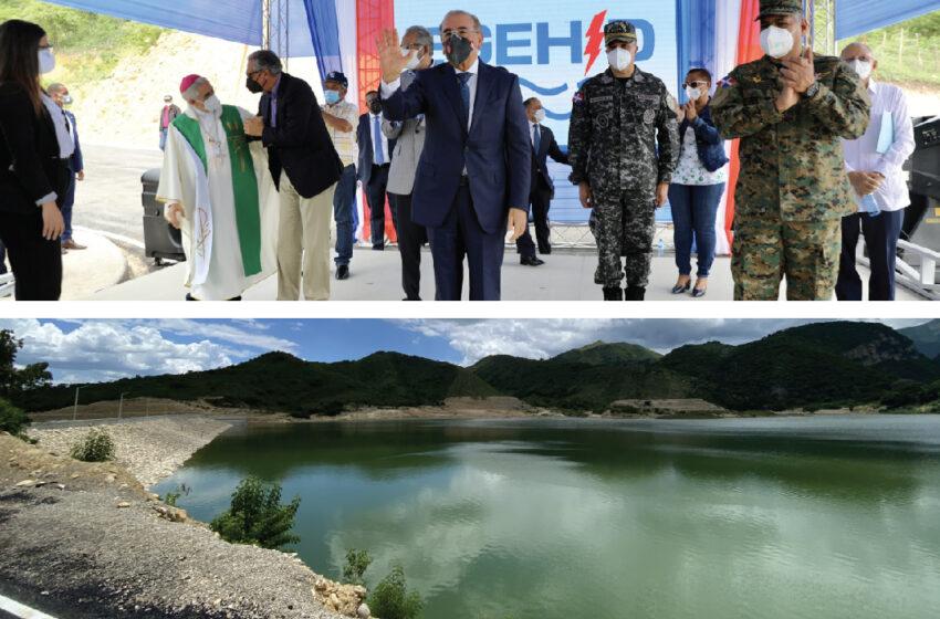 Residentes en Carrera de Yeguas reciben presa de Yacahueque para irrigar 40 mil tareas; presidente Danilo Medina encabeza acto