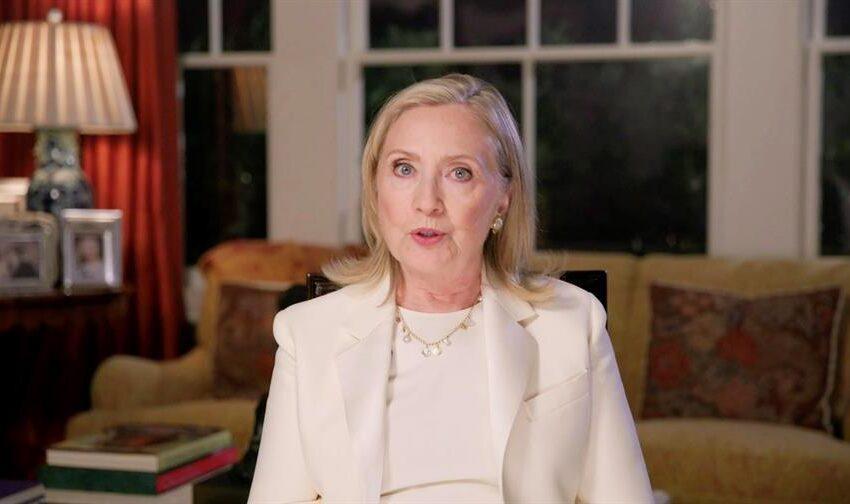"""Hillary Clinton: """"Voten como si nuestras vidas dependieran de ello"""""""