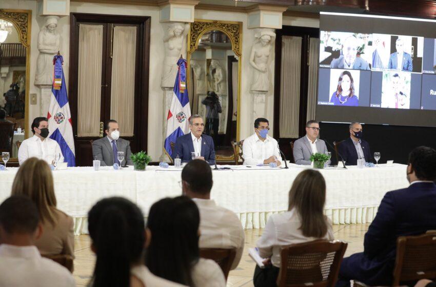 Gobierno dominicano firma acuerdo con Norwegian Cruise Line para iniciar operaciones en el País