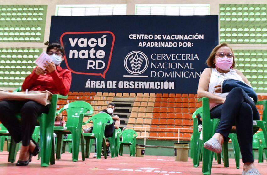 En los últimos dos días 240 mil dominicanos acudieron a inocularse contra el COVID-19