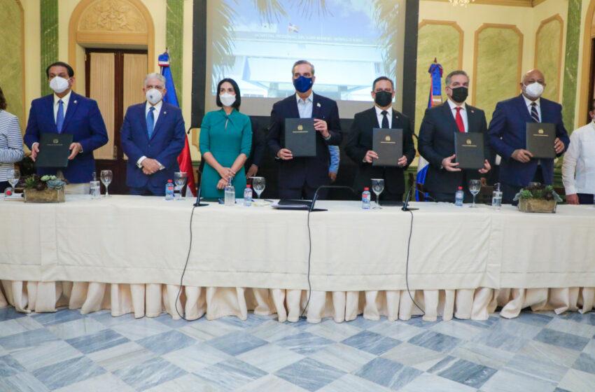 Gobierno, Unicef y JCE firman acuerdo para dotar de actas al momento de nacer
