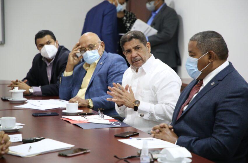 Ministro de Agricultura trata con Cámara de Diputados aprobación préstamo por 50 millones de dólares