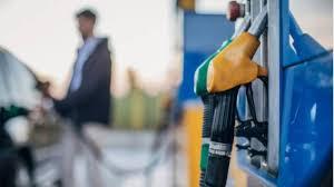 Gobierno congela otra vez el precio de casi todos los combustibles