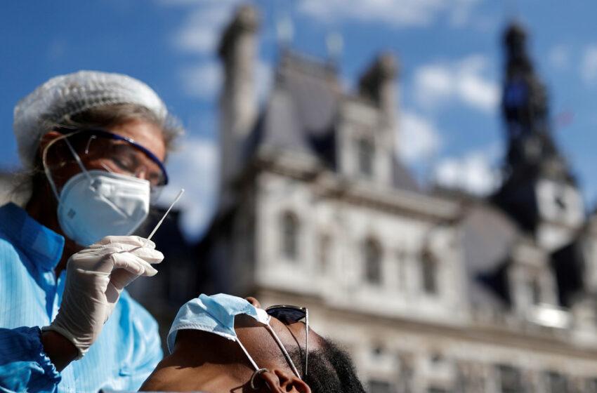 La OMS, preocupada por subida de contagios, pide impulsar la vacunaciónV