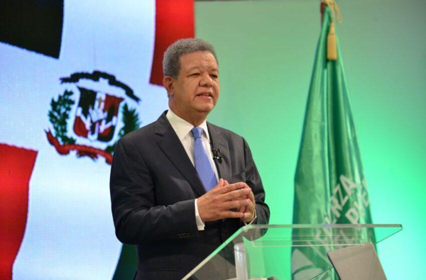 """Leonel Fernández estima que """"carece de sentido"""" reformar la Constitución"""