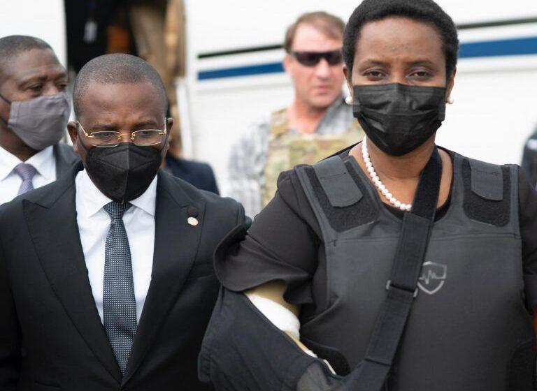 "Primera dama de Haití piensa ""seriamente"" en postularse a la presidencia"